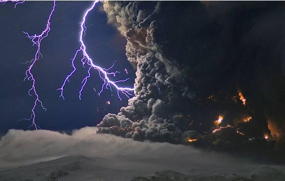 iceland volcano lightning. volcano with lightning