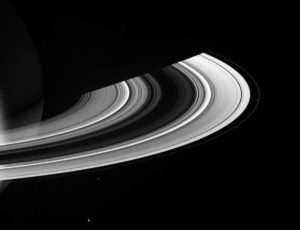 Saturn equinox rings