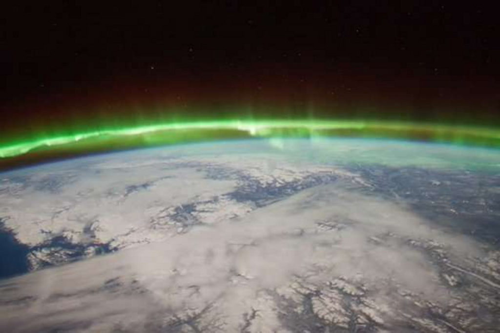 sudden stratospheric warming near Earth space weather