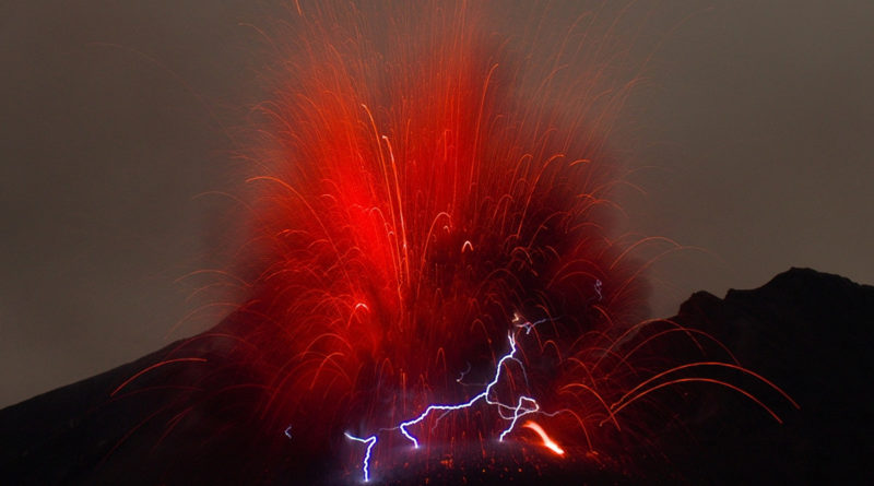 electricity volcano magma chambers lightning