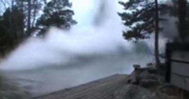 lightning strike discharge river video
