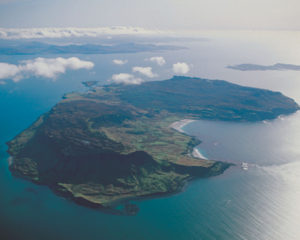 pitchstone locations isle of eigg scotland