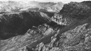 pitchstone Speciment Mountain Colorado USA volcanic glass rock isle of arran
