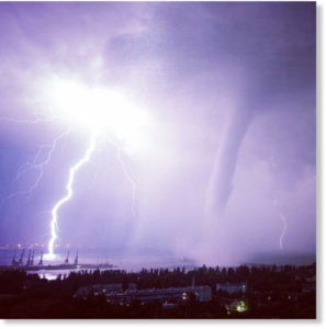 waterspout lightning electromagnetic